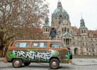 """For Refugees"" VW T2 Bus von 1979"